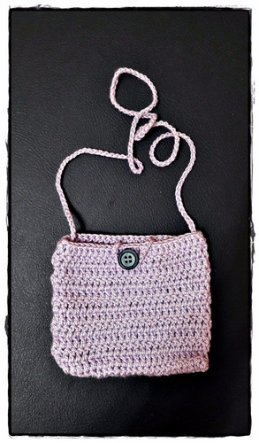 carterita artesanal a crochet modelo 10 tamaño 14 x 12 cm