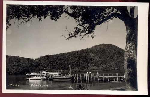 cartão postal antigo bertioga  / sp - cais barcos