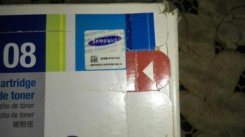 cartucho de tóner samsung nuevo sellado en su caja.