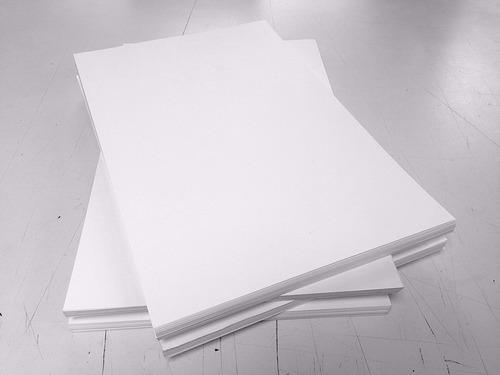 cartulina opalina blanca 200grs. tamaño tabloide 50 pliegos