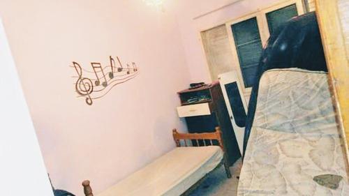 casa 02 dormitórios com muito espaço 700 metros do mar (952