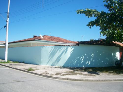 casa 02 dormitórios com piscina em mongaguá