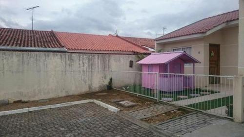 casa 02 quartos em condomínio fechado