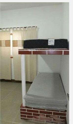 casa 03 dormitórios e pisicina, 50 metros do mar (565)