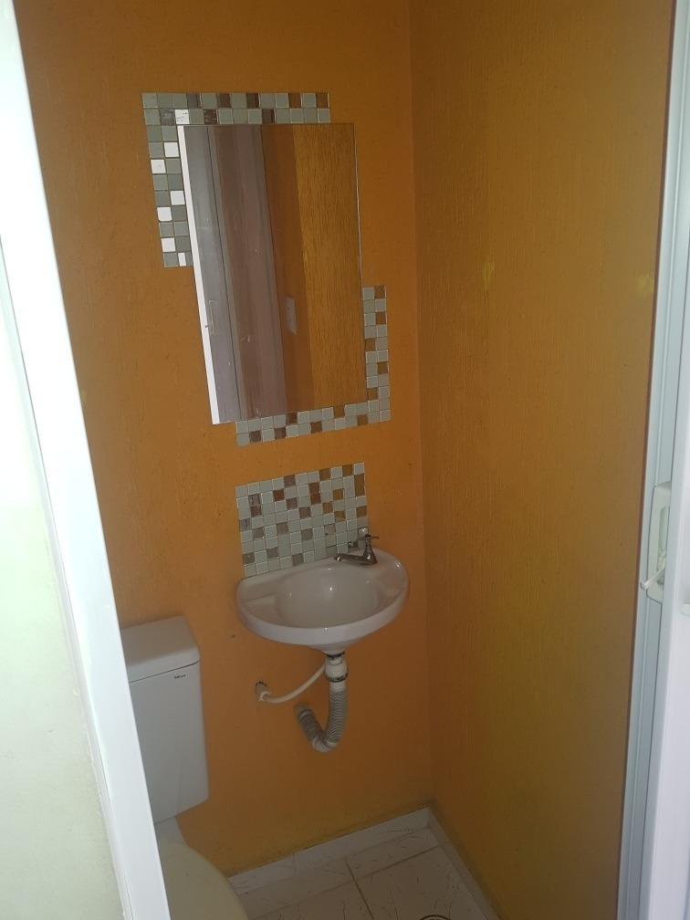 casa 1 dorm sala e cozinha estilo americano lavanderia banhe