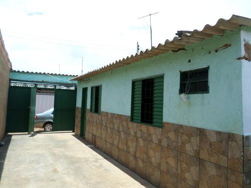 casa 1 qt próximo ao trem bom localizado no bairro setor hab