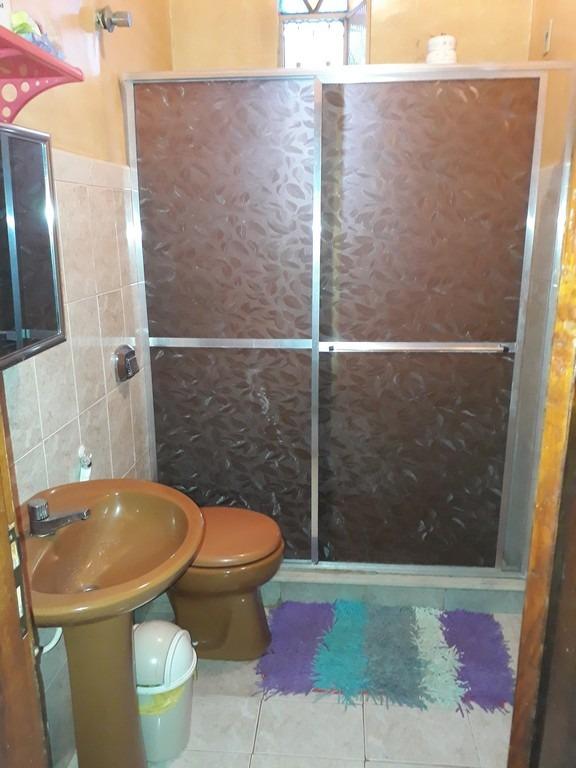 casa 1 quarto e mais 1 kitinete com suite no fundo, sepetiba