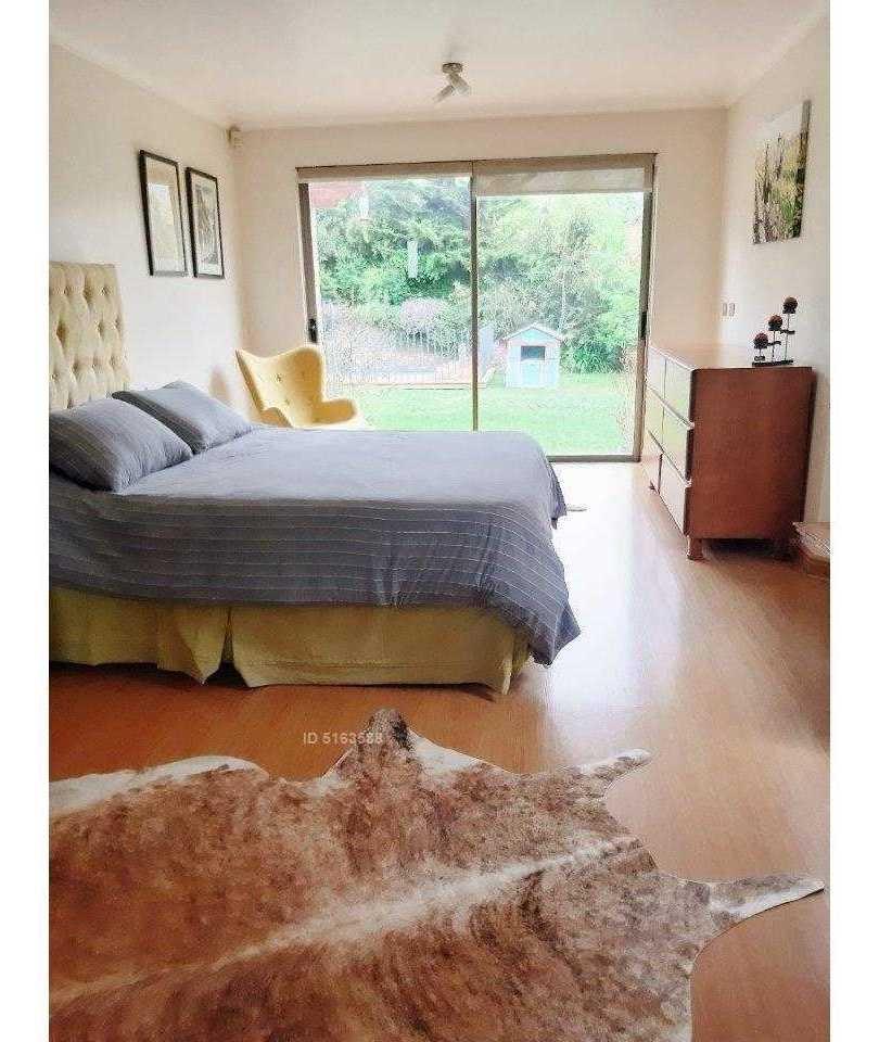 casa 100% interior, condominio de mejor seguridad del sector, grandes áreas verdes, craighouse, monte tabor y santiago college