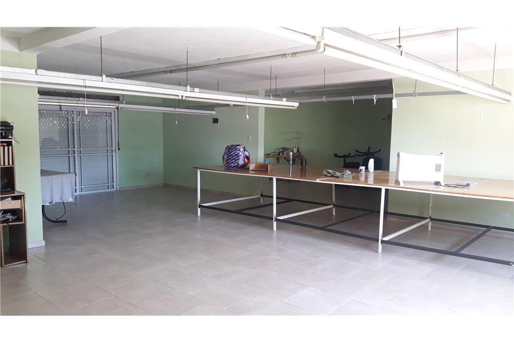 casa 11 amb/taller/deposito/garaje. caseros