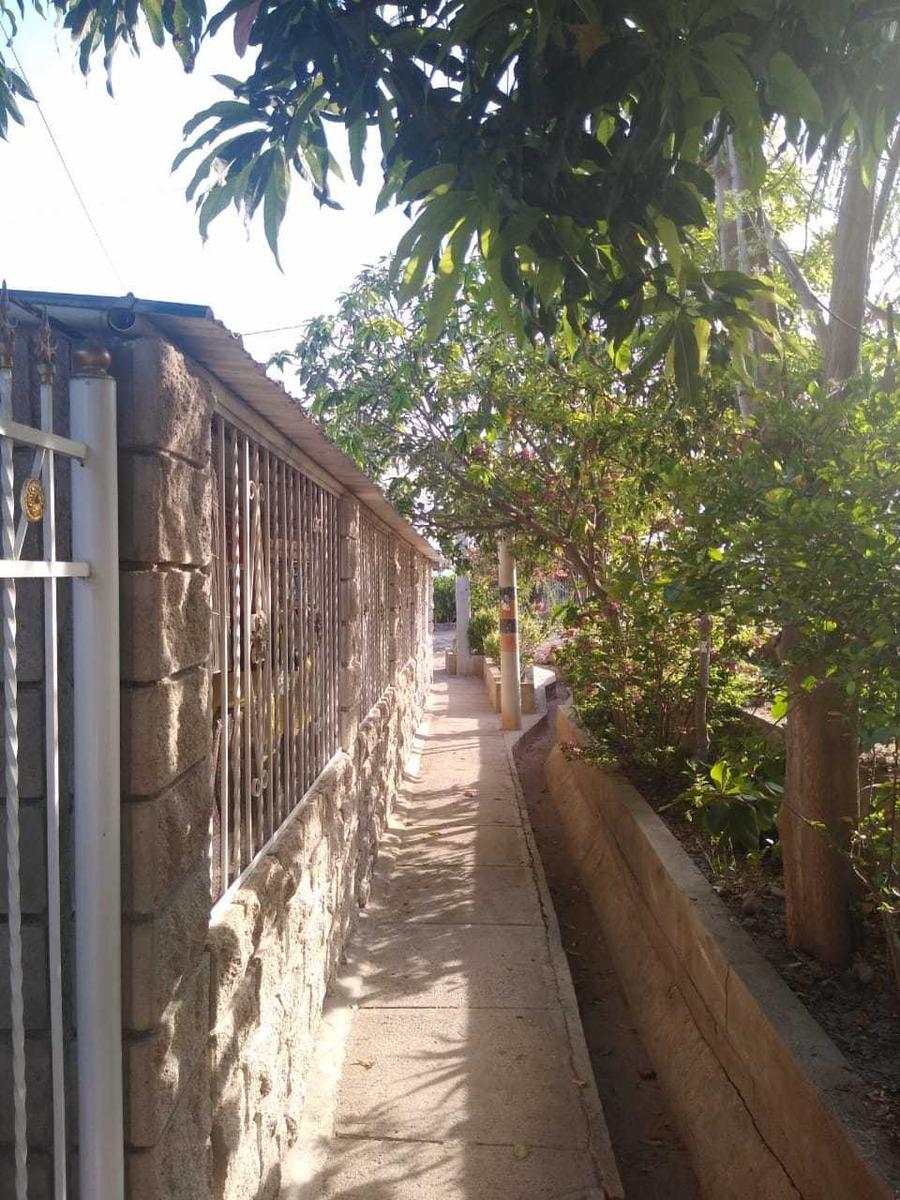 casa 140 m esquinera, vehicular, jardines, parqueadero