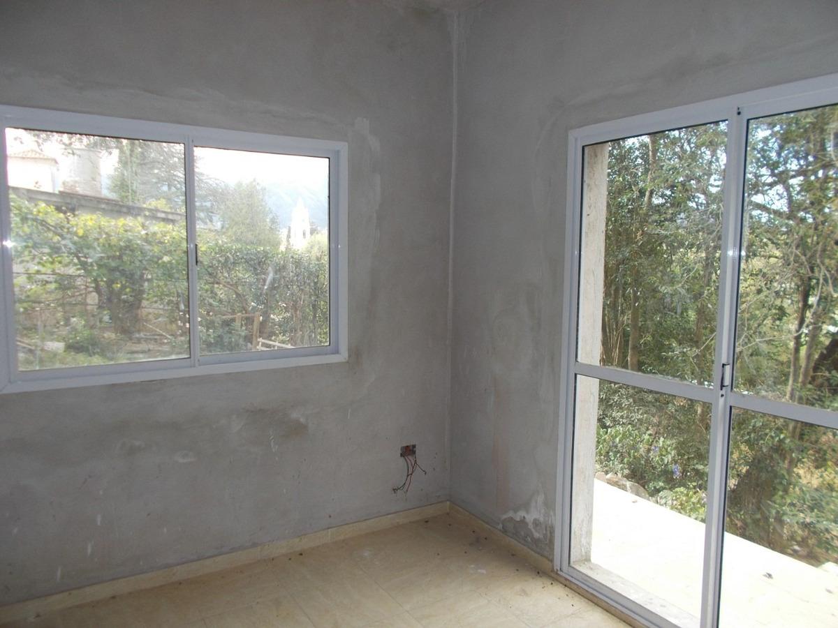 casa 1dorm en duplex c/ garaje y gas n. villa giardino cba.