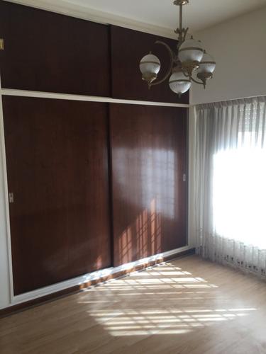 casa 2 ambientes bodega altillo en suite ,cochera patio