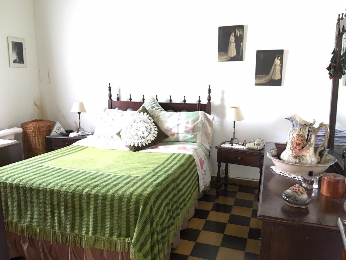 casa 2 ambientes con cochera y parque en venta zona bernardino rivadavia apto crédito