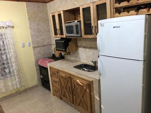 casa  2 ambientes con excelente lote parquizado