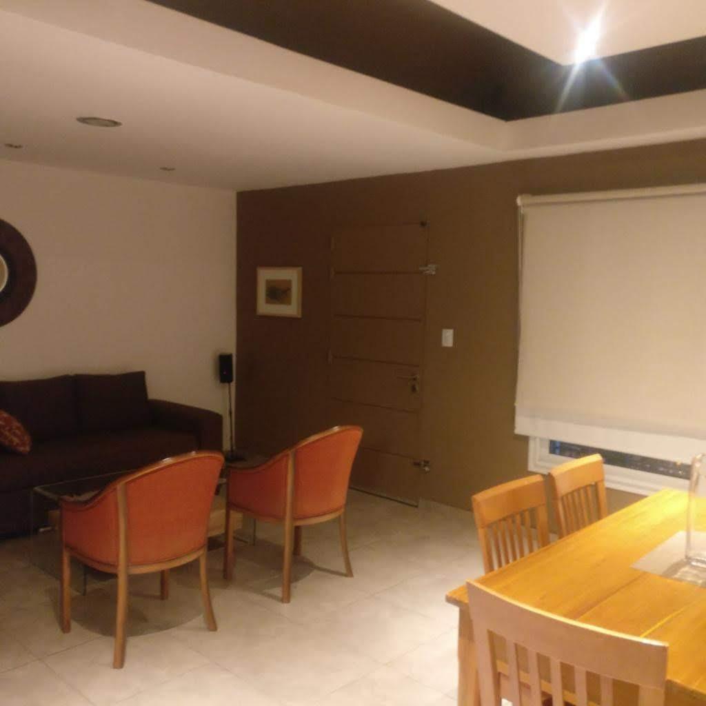 casa 2 dormitorios -  2 baños - patio pileta - villa cabrera.