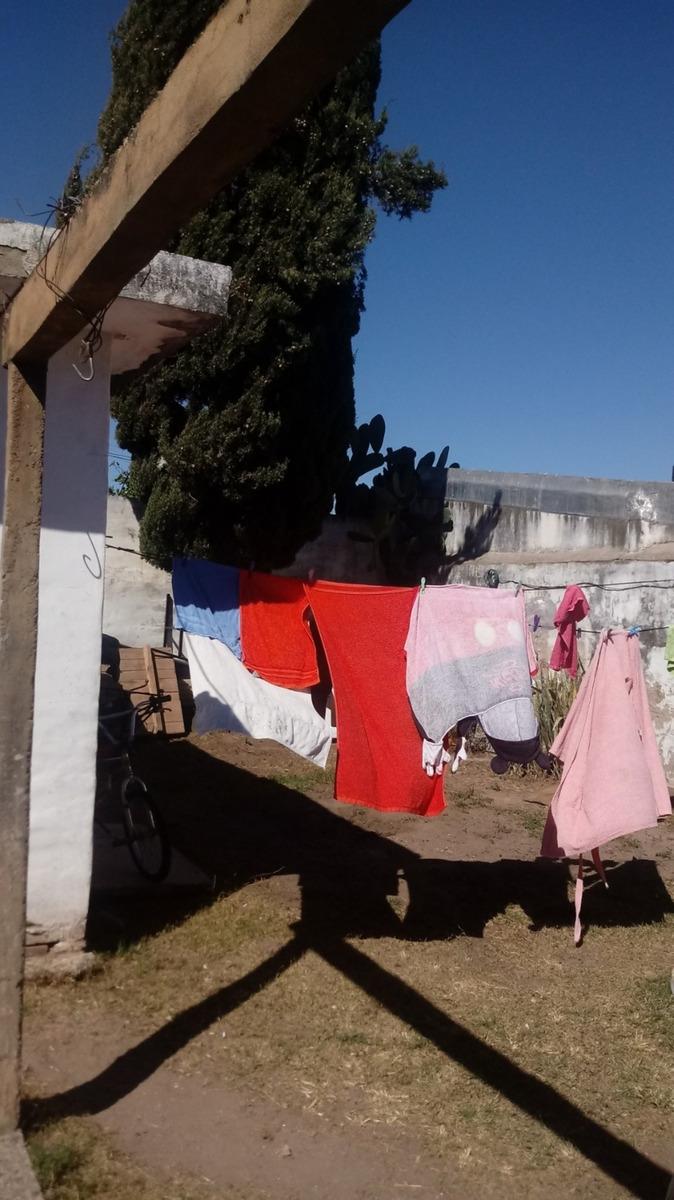 casa  2 dormitorios barrio la france