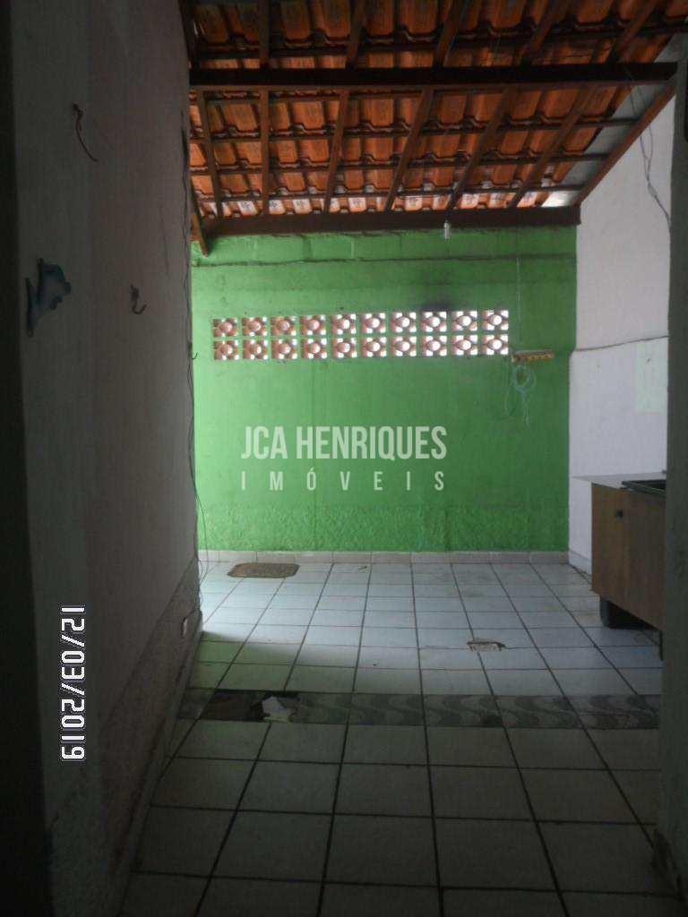 casa 2 dormitórios com vaga para 4 carros - forte - v590