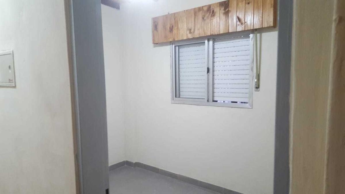 casa 2 dormitorios en g catan, barrio indep apto mascota