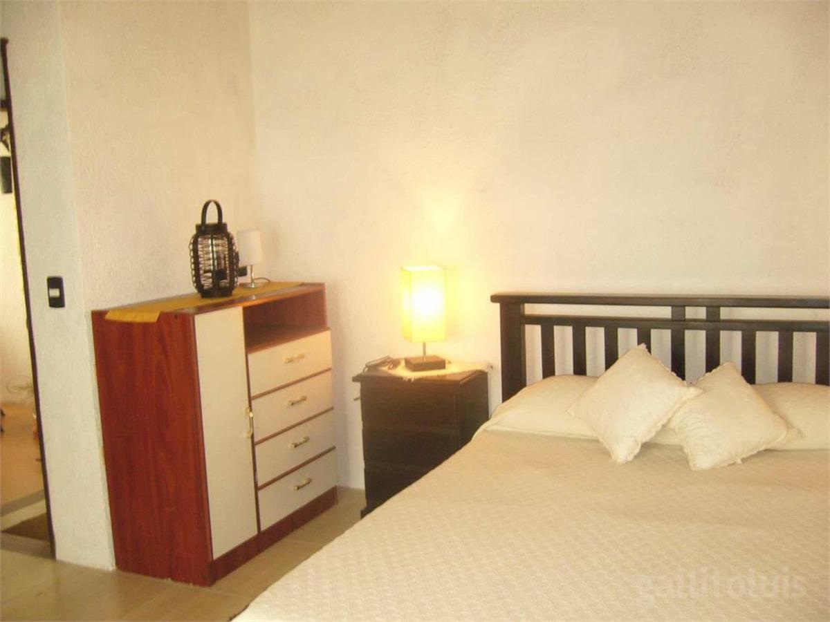 casa 2 dormitórios en playa hermosa a poco de la playa