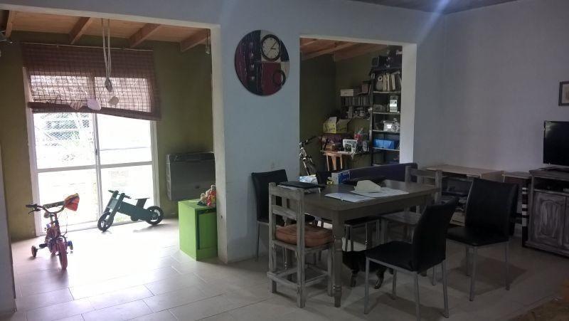 casa 2 dormitorios en villa elisa, la plata. posible apto ba