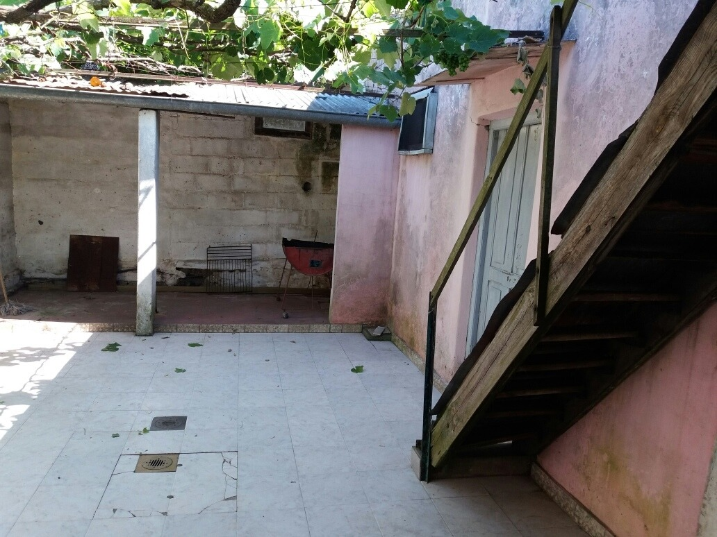 casa 2 dormitorios,  garage.