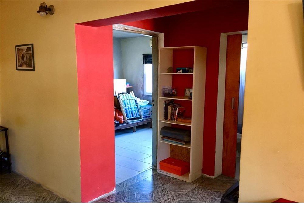 casa 2 dormitorios muy funcional con patio.