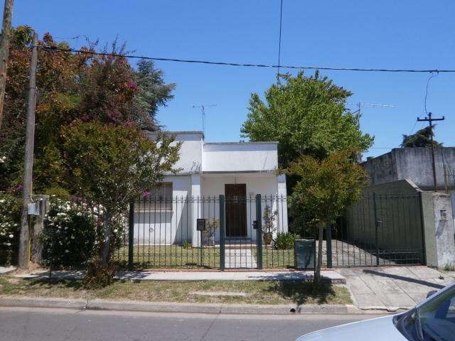 casa 2 dormitorios sobre terreno de 10x40