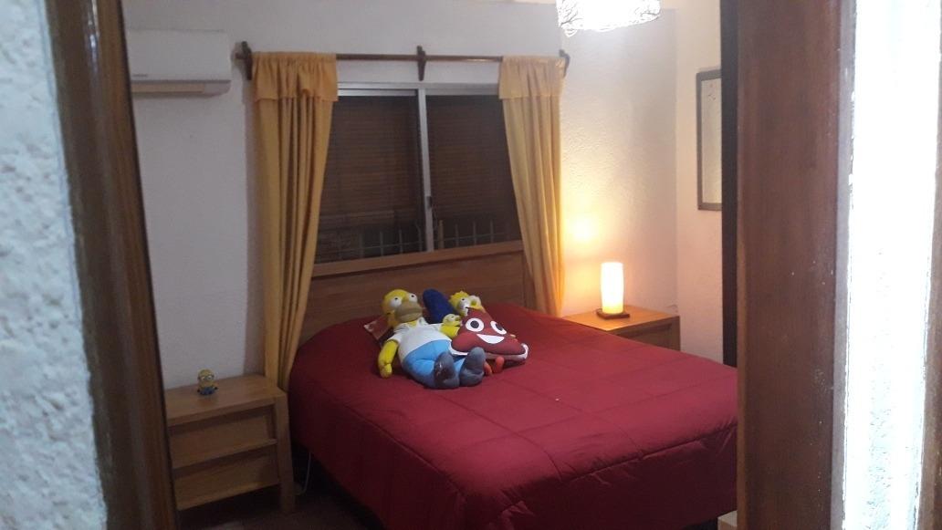 casa 2 dormitorios y 1 baño.