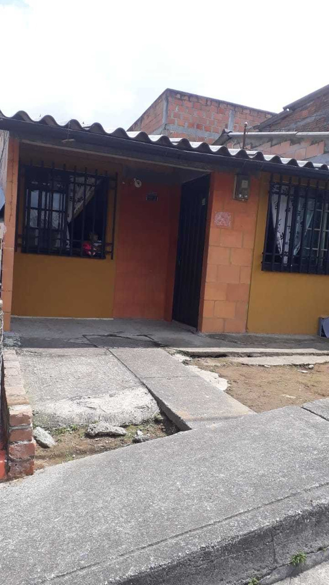 casa 2 habitaciones, 1 baño, patio, sala y cocina