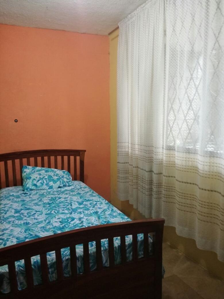 casa 2 habitaciones, 2 baños sala, comedor y cocina.2 patios