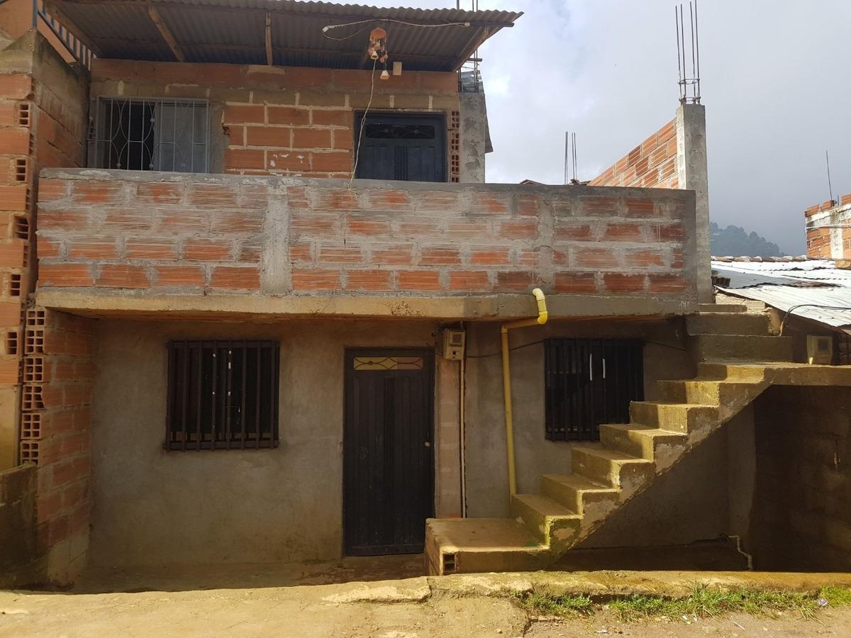 casa 2 habitaciones sala cocina 1 baño 2 piso a medio termin