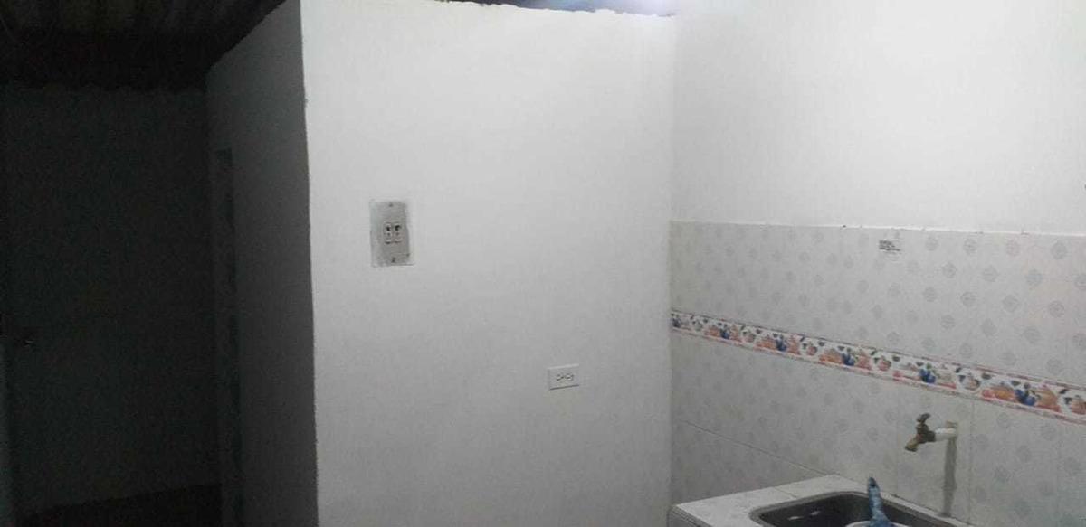 casa 2 habitaciones,sala comedor, 1 baño cocina