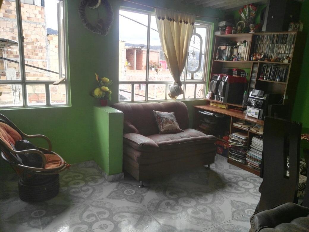 casa 2 pisos rentable, papeles al dia.3123439528