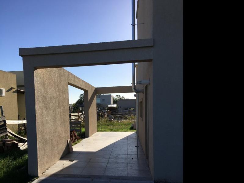 casa 2 plantas 4 ambientes con piscina barrio la horqueta de echeverría canning
