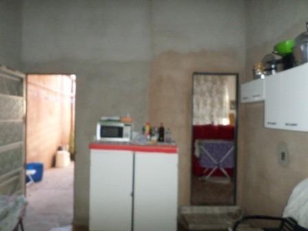 casa 2 qts, qd 833 próx. ao colégio 831 samambaia norte-df