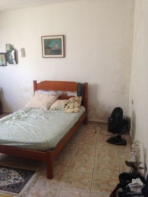 casa 2 quartos, lado praia, com escritura, parcela saldo.