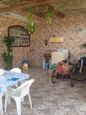 casa 2 quartos, lado praia, em itanhaém.