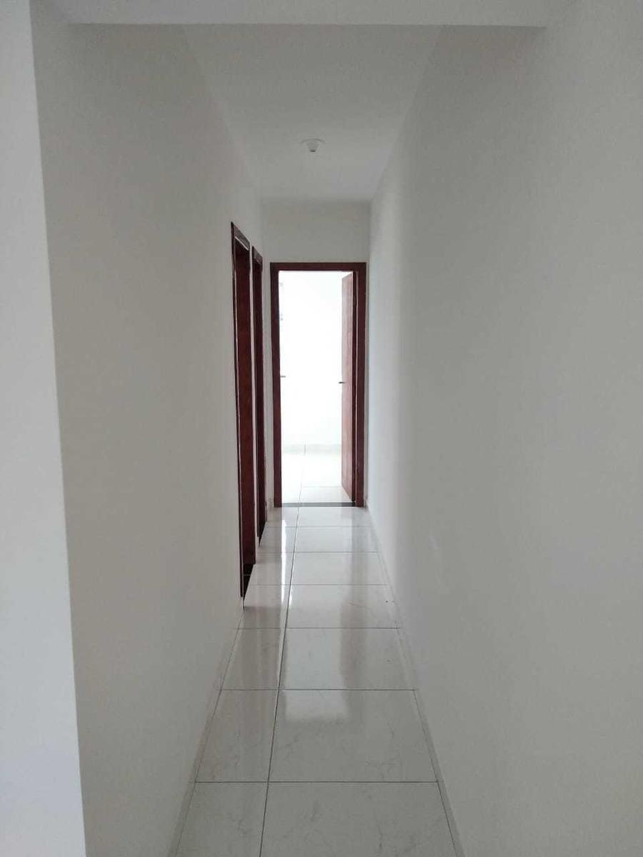 casa 2 quartos, sala, cozinha e área de serviço