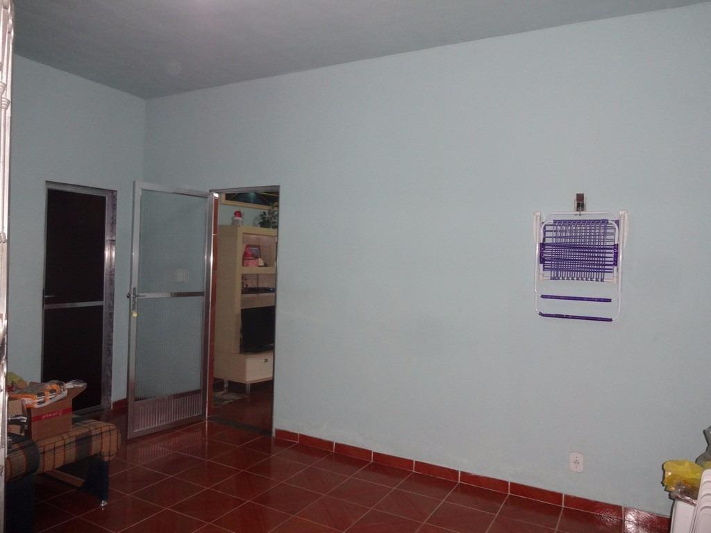 casa 2 quartos, sendo 1 suite em sepetiba, com 1 loja
