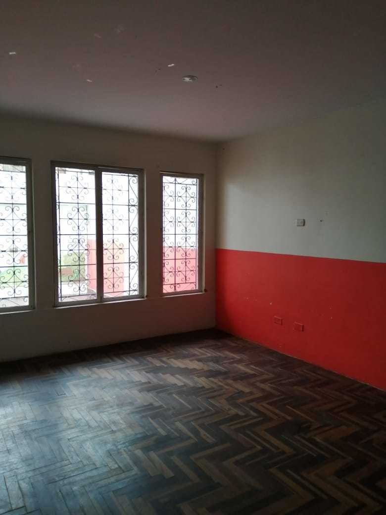 casa 220 m2- 2 pisos, 4 baños y cochera