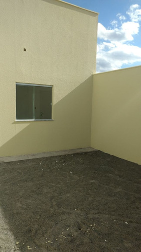 casa 2/4, com corredor lateral ultimas unidades