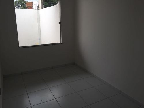 casa 2\4 sendo um suite