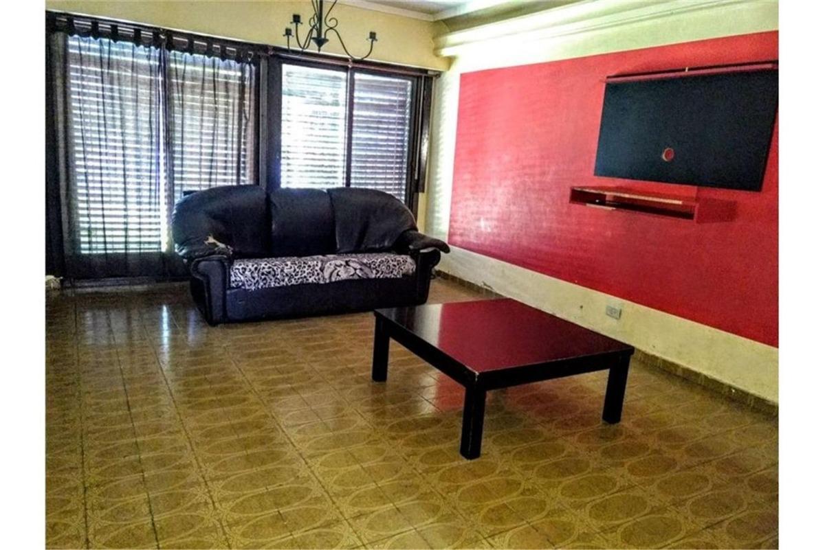 casa · 280m2 · 5 ambientes · 3 cocheras