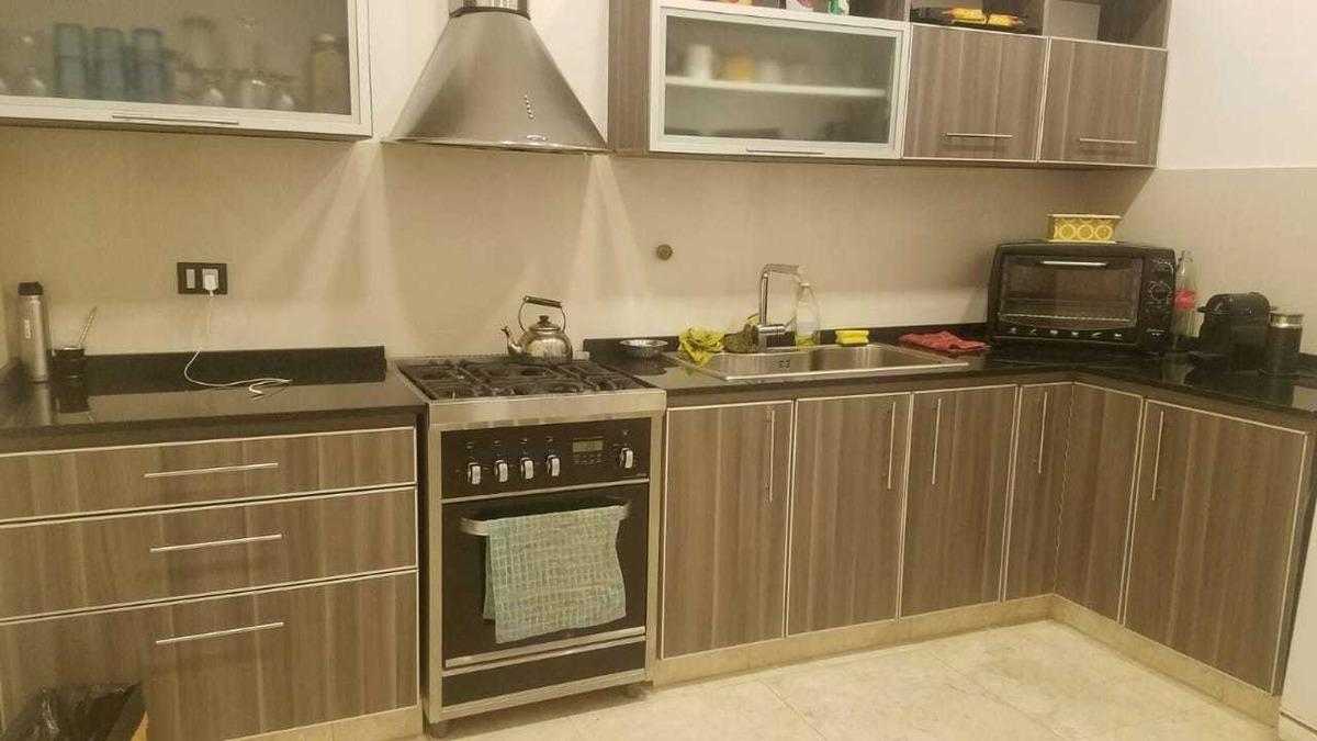 casa 3 amb 2 dormitorios cocina living/comedor al frente