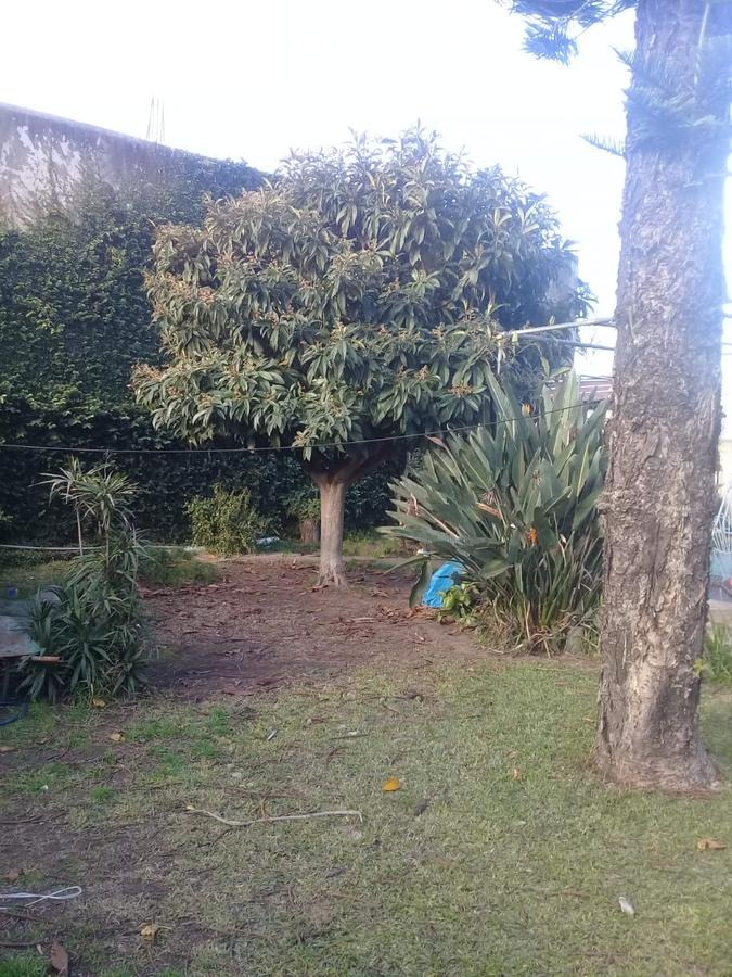 casa 3 amb. amplio jardin, cochera pasante en 1 planta - munro-oeste