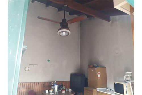 casa 3 amb con garage y patio en haedo!!!