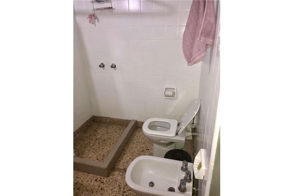 casa 3 amb+dependencia+patio+jardín exc.ubic.!!