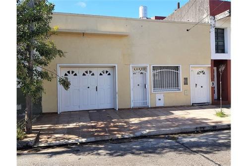 casa 3 amb garage patio y galpon industrial 215 m2