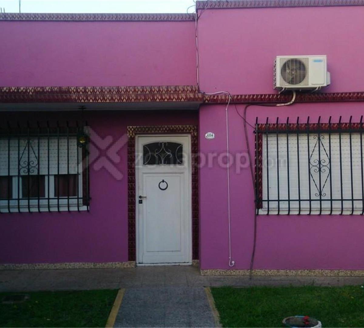 casa - 3 amb - lote 8.66x43 - extenso fondo libre