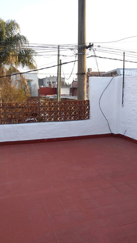 casa 3 amb. patio,cochera,terraza,apto credito v. luzuriaga